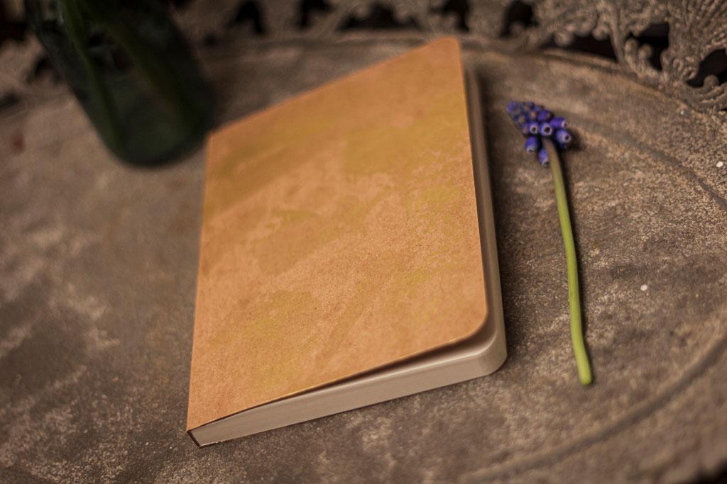 Mini notesz naptárral, négyzetrácsos, pontozott és franciakockás oldalakkal, minőségi papírokból, kézi festéssel optimalizált áron